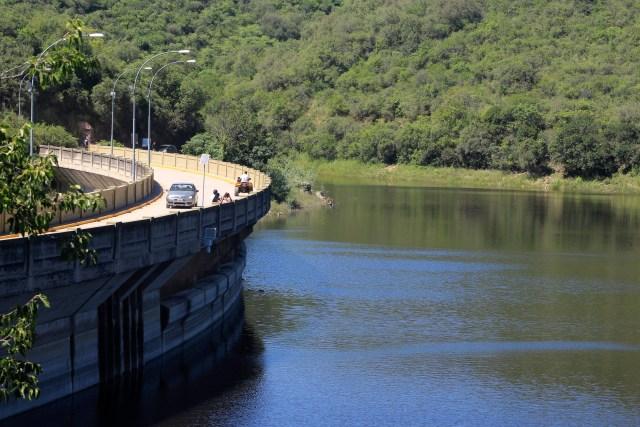 Nueva apertura de una de las válvulas del Dique La Quebrada 1