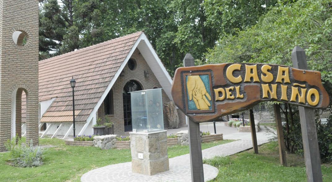 Unquillo: buscan mejoras para la Casa del Niño del Padre Aguilera