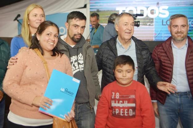 Certificados de adjudicación para 228 familias de La Calera 2