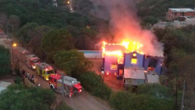 Una vecina de Mendiolaza logró recuperar su casa tras un incendio 1