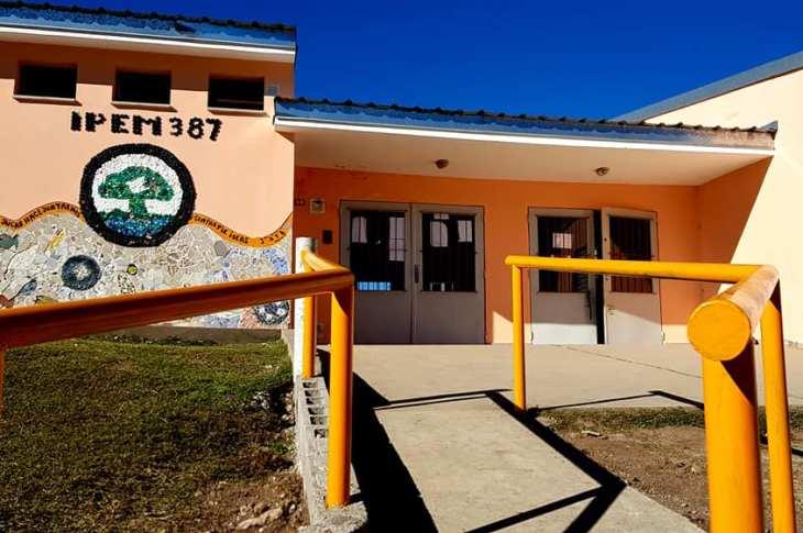 Todas las escuelas de Agua de Oro cuentan con acceso para sillas de ruedas 8