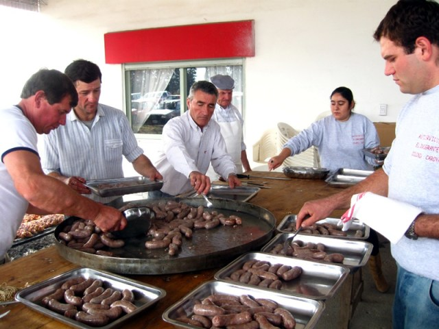 Se viene la 36º Fiesta del Codeguín en Colonia Caroya 4