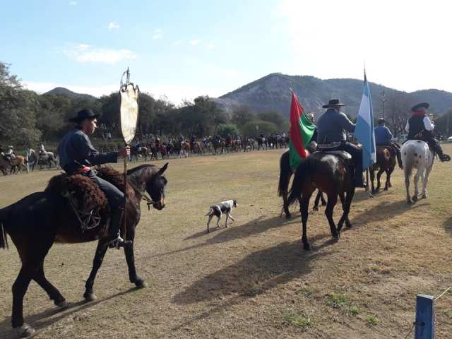 Emocionante inicio de las Fiestas Patronales en Villa Allende 11