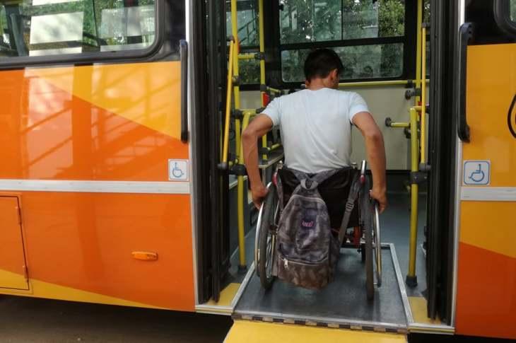 Faltan colectivos interurbanos adaptados para personas en silla de ruedas 11