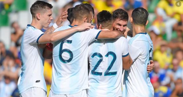 Argentina goleó a Ecuador 2