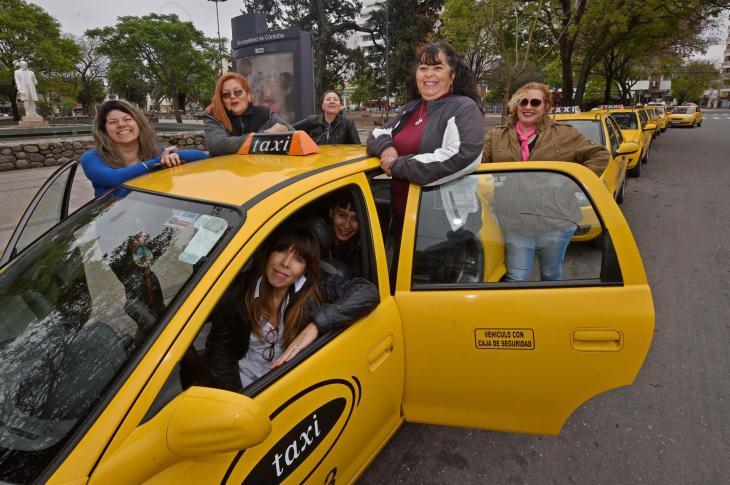 """Las taxistas piden una """"App"""" para Córdoba 3"""