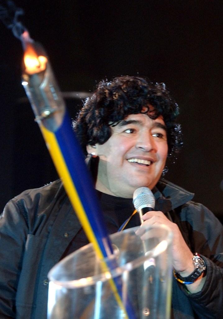 Buenos Aires: Fotografía de archivo del 03/04/2005 de Diego Armando Maradona, quien cumple 60 años mañana.   Foto: Marcelo Espinosa/Télam/lz 29102020