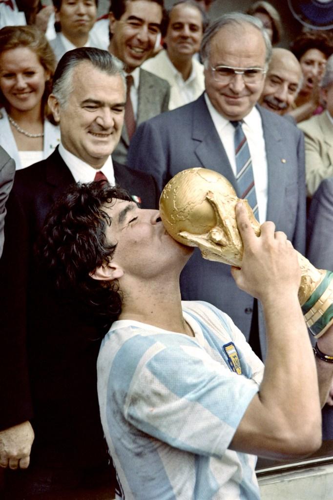 Buenos Aires: Fotografía de archivo del 29/06/1986 de Diego Armando Maradona, quien cumple 60 años mañana. Foto: Archivo/AFP/Télam/cbri 29102020