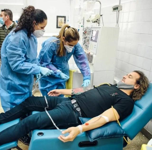 <strong><em>Desde su recuperación, Osmany Estopiñán Vázquez (cubano de nacimiento y carlospacense por adopción) ya donó su plasma en seis ocasiones.</em></strong> Foto gentileza Prensa Cba.