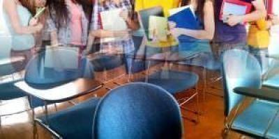 Los escolares madrileños abandonan mucho menos los estudios.
