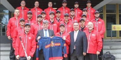 España se estrena con victoria en el Preolímpico de hockey hielo.
