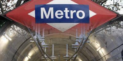 La línea 2 de Metro ha quedado suspendida por culpa de un globo.