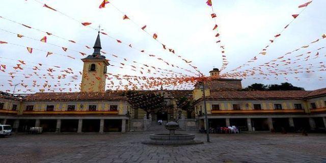 La Plaza Mayor de Brunete en fiestas