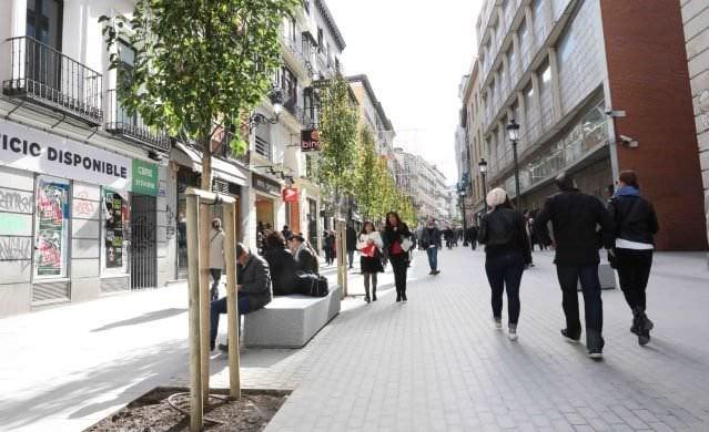 calle carretas peatonal desde Puerta del Sol