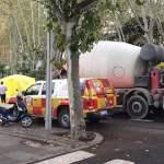 Muere un motorista atropellado por una hormigonera en el Paseo del Prado