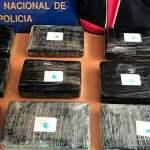La Policía Nacional aborta un pase de droga en un centro comercial