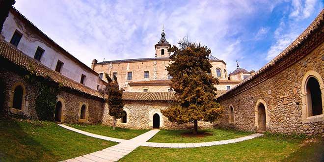 Monasterio Santa Maria de El Paular patio zona monástica