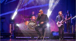 Homenaje en el Teatro Nuevo Apolo al cantante de pop