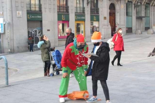 navidad 2020 street room elfo y niño