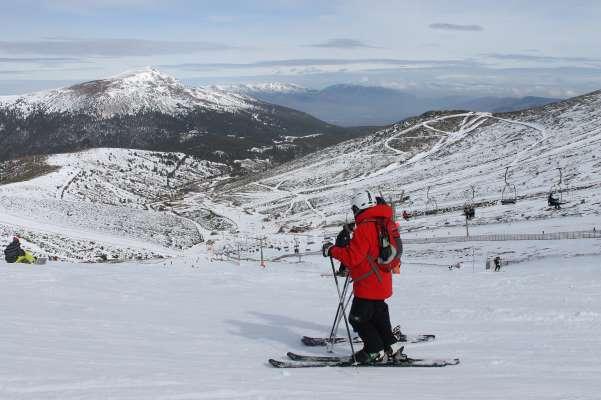 Valdesquí estación esquiadores