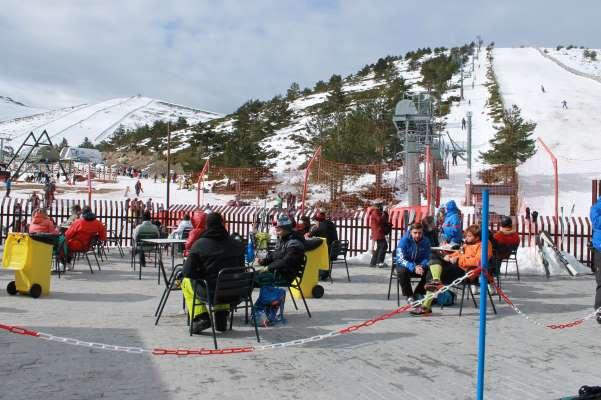 valdesquí terraza cafetería