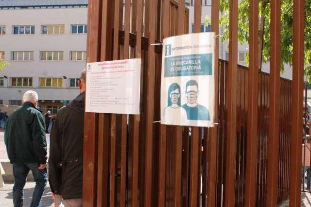 jornada electoral mascarillas colegio 4 mayo
