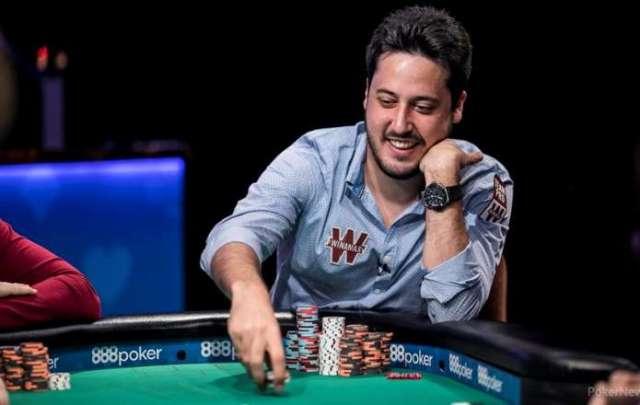 adrián mateos jugador de póker