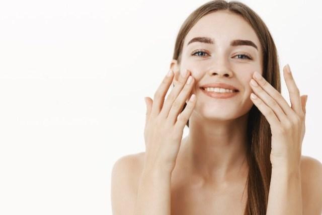 Combatir los signos del envejecimiento de la piel con ácido hialurónico