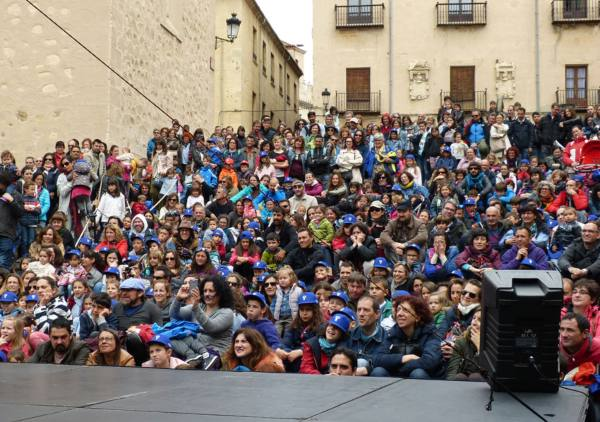 Festival 'Titirimundi' Premio, actuación en Segovia