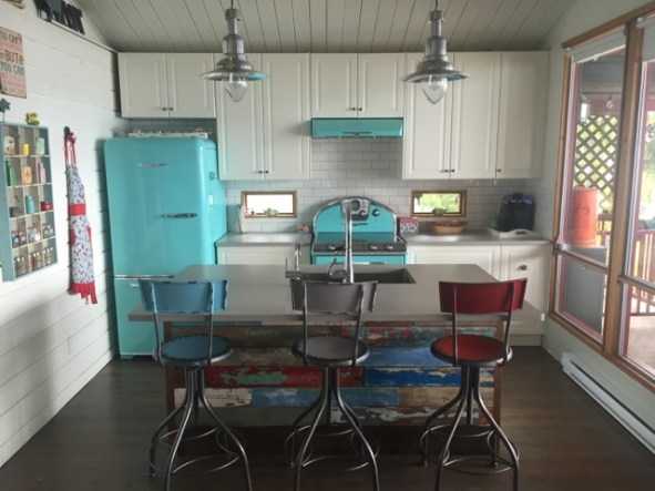 Famous Tv Kitchens Reloaded Hi Tech Upgrades To Retro Designs For A - Retro-kitchen-design-you-never-seen-before