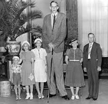 el hombre mas alto de la historia