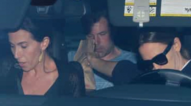 El actor de 46 años y su ex Jennifer Garner pasaron a Jack in the Box Camino a la clínica.
