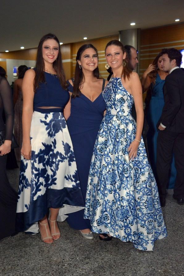 Daniela Riveroll, Andrea Ritch, Regina Riveroll.