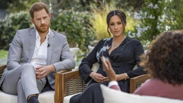 El príncipe Harry y Meghan Markle en entrevista con Oprah