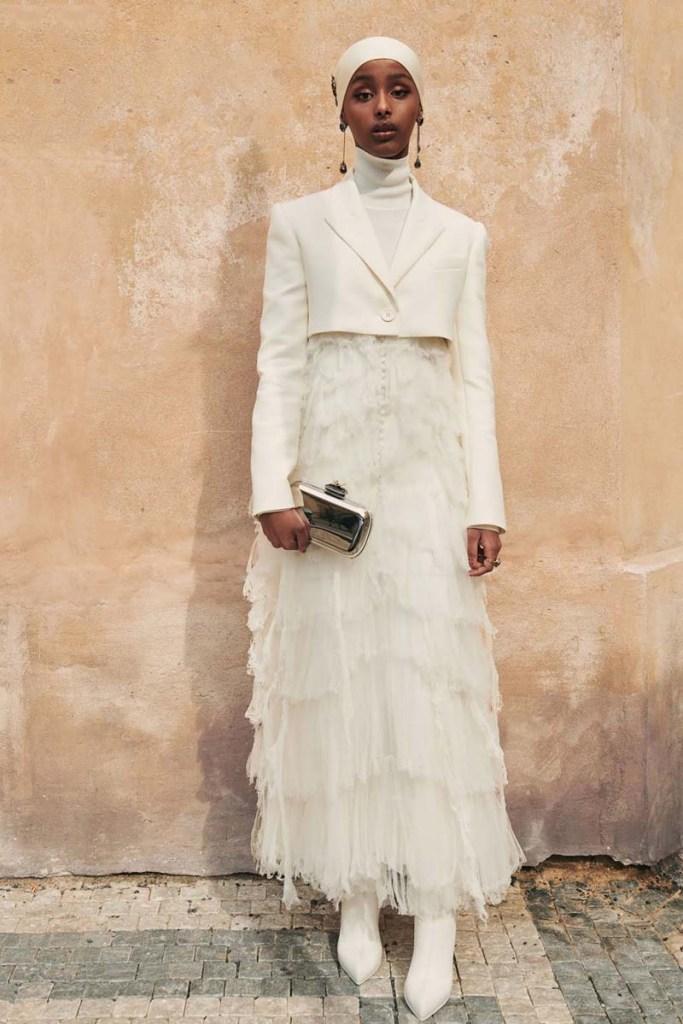 BAFTA 2021: Kosar Ali luciendo un diseño de Alexander McQueen.