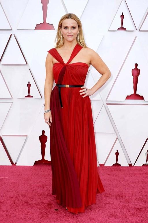 Reese Witherspoon en los Oscar 2021.