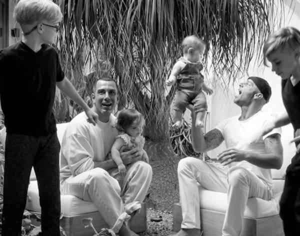 Ricky Martin con su esposo Jwan Yosef y sus hijos Valentino, Matteo, Lucia y Renn