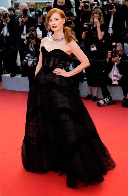 Jessica-Chastain-Cannes-2021
