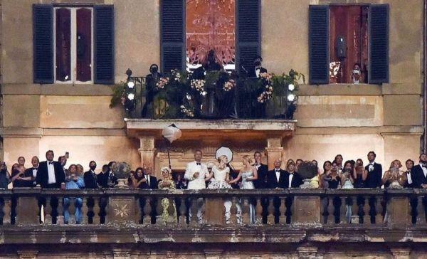 La villa tiene una espectacular vista al valle de Roma.