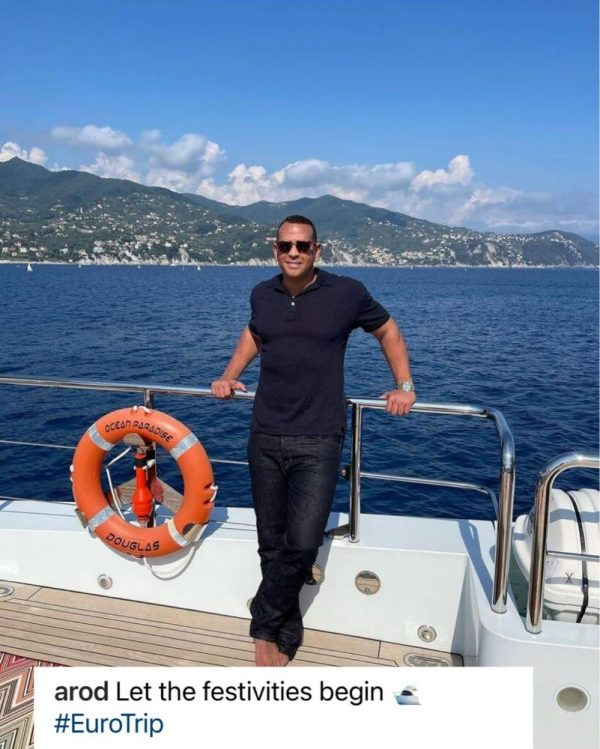 Alex Rodríguez también se encuentra en St. Tropez