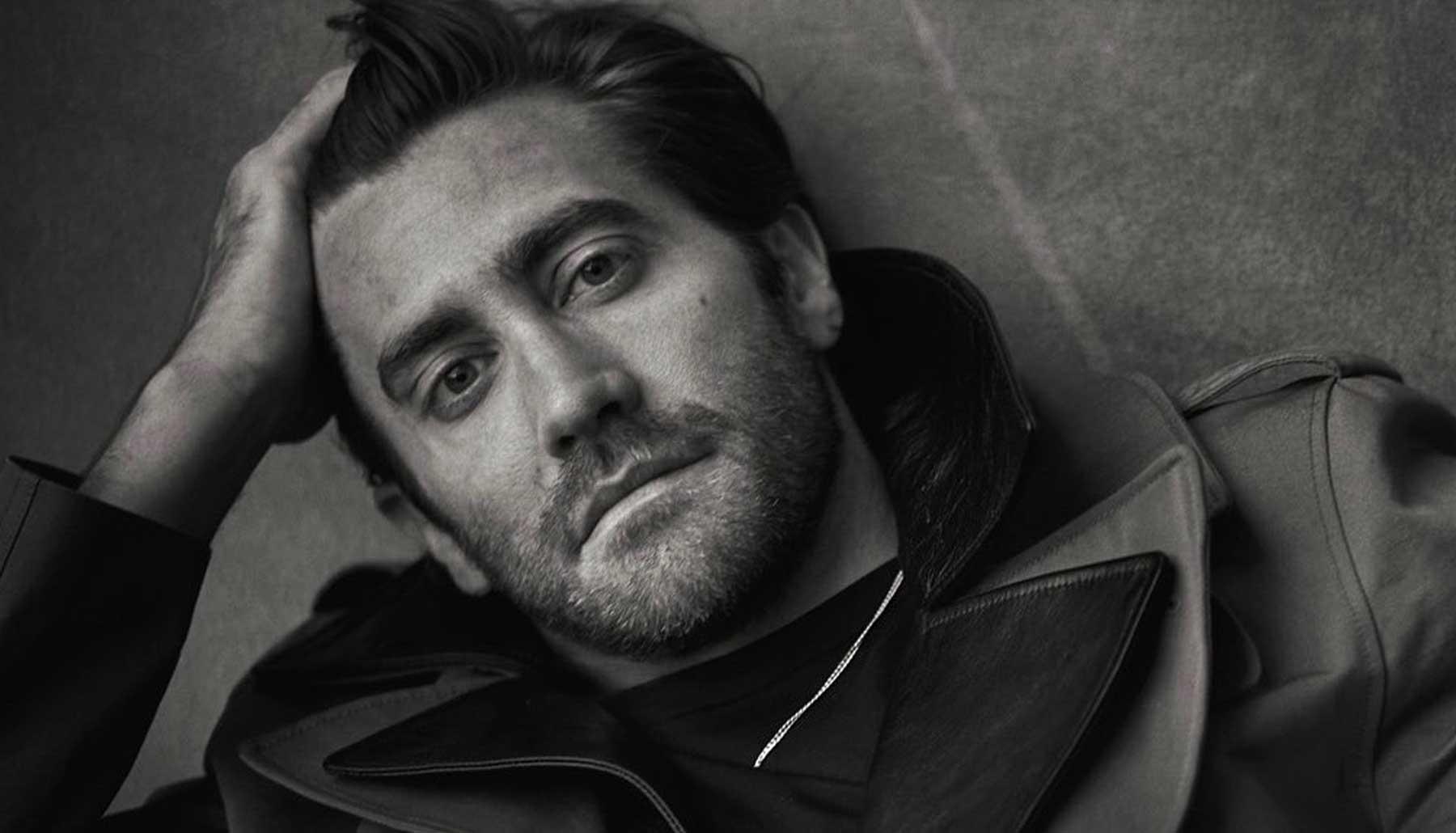 Jake Gyllenhaal y otros famosos que se suman a la tendencia de no bañarse