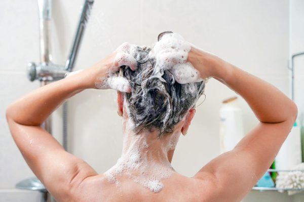 Lavarse el pelo todos los días es bueno?