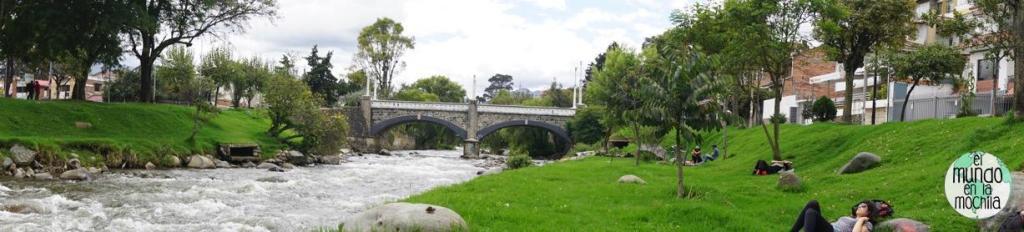 panoramica a orillas del Río Tomebamba