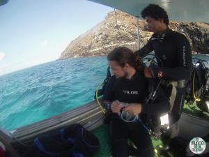 Foto de Peter apunto de iniciar la inmersión elmundoenlamochila.com