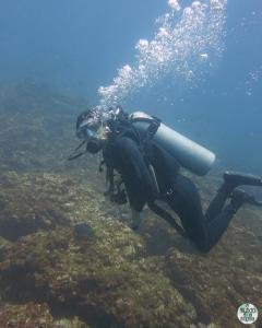 Foto de Gaby submarinista elmundoenlamochila.com