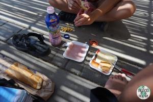 Almuerzo mochilero en el Chan Chan desconocido
