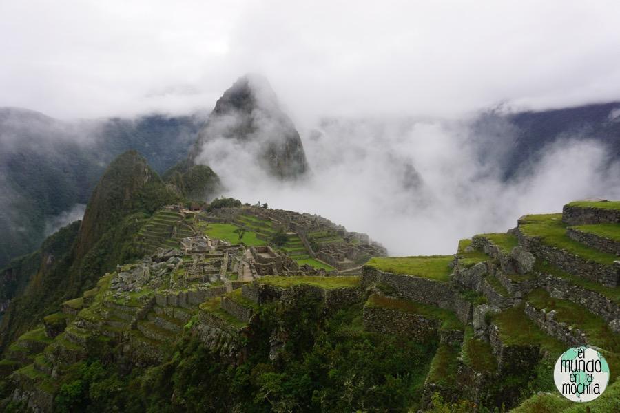 Las nubes se abren para dejarnos admirar las ruinas de Machu Picchu