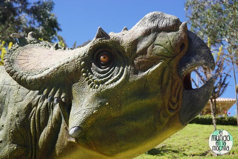 replica-dinosaurio-parque-cretacico-sucre