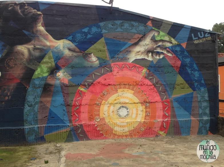 mural-feminista-valparaiso-arte-urbano
