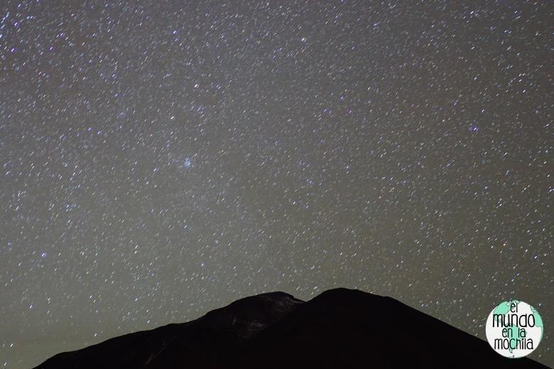 salar-uyuni-reserva-eduardo-avaroa-estrellas-montaña